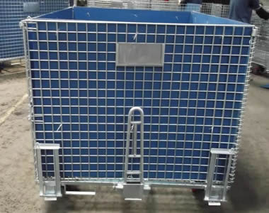 A wire container with blue polypropylene hollow sheet and tow bar.